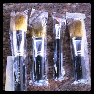 4 New BareMinerals brush set